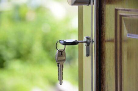 Co się bardziej opłaca – zakup mieszkania, czy budowa domu?
